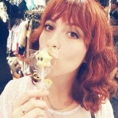 Lili Cross - Youtuber Girls World, Ulzzang Boy, Streamers, Boy Or Girl, Lily, Adventure, Te Amo, Gold, Singers