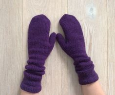 €36.00  Hand-knitted mittens / Long violet mittens / 100% by CardiGannaS