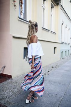 Pleated skirt & off shoulder, #mbfwb Streetsytle | More here: http://www.ohhcouture.com/2016/07/mbfwb-looks-berlin/ | #ohhcouture # LeonieHanne