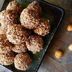 Baci 😘 - creamy hazelnut chocolate with crunchy caramelized hazelnut . . . #gianguja #chocolate #chocolatier Chocolate Hazelnut, Caramel, Almond, Cooking Recipes, Food, Sticky Toffee, Candy, Chef Recipes, Essen