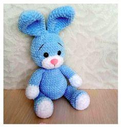 Crochet Geek, Crochet Skirt Pattern, Knitted Cape, Plush Pattern, Crochet Bunny, Amigurumi Toys, Plush Animals, Smurfs, Diy And Crafts