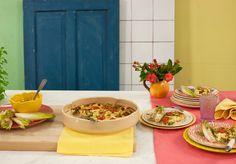 Clafoutis de abobrinha com tomate e queijo minas   Receita Panelinha: A clássica sobremesa francesa ganhou versão salgada e com um toque brasileiro. Uma opção rápida e leve para o jantar no meio de uma semana corrida.