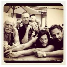 Scott Wilson, Michael Rooker, Norman Reedus, Andrew Lincoln, and fake Judith Michael Rooker, Andrew Lincoln, Norman Reedus, Film Manga, We Heart It, Plus Tv, Dead Zombie, Fear The Walking Dead, Stuff And Thangs