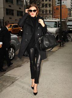 All black, so chic. Miranda Kerr.