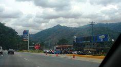 Vía Caracas- Valencia La famosa estación de servicio MAITANA