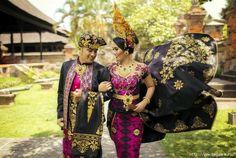 Балийские национальные костюмы жениха и невесты (Индонезия)