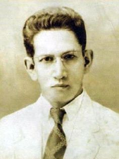 Felix Y. Manalo is the founder of the Iglesia ni Cristo church, 1940s #kasaysayan President Of The Philippines, Seventh Day Adventist, Churches Of Christ, Episcopal Church, Tagalog, Former President, Roman Catholic, Atheist, Pastor
