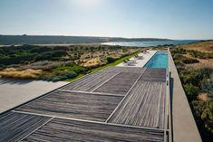 react architects steps 'the gaze' house into idyllic greek island landscape Architecture Photo, Landscape Architecture, Landscape Design, Paros Island, Mykonos Island, Site Face, Greece Design, Paros Greece, Roof Plan