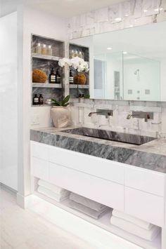 Maravilloso baño en tonos claros