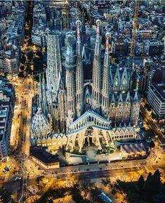 The wonderful Sagrada Familia in Barcelona 😍 Photograph by Sagrada Família The amazing Sagrada Familia in Barcelona 😍 Photo by A photograph posted by HOUSES Beautiful Architecture, Beautiful Buildings, Beautiful Places, Wonderful Places, Modern Architecture, Barcelona Architecture, Residential Architecture, Places To Travel, Places To Go