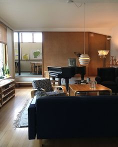 Gloria – Blogit | Pieni talo Helsingissä Conference Room, Table, Furniture, Home Decor, Decoration Home, Room Decor, Tables, Home Furnishings, Home Interior Design