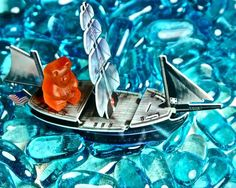 16 Artworks Made From Sweet, Sweet Gummy Bears | Mental Floss