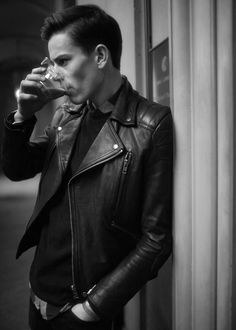 Mens Fashion: Leather Jackets and Zippers