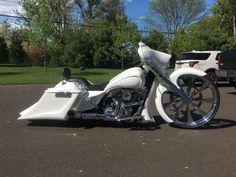 "2015 Harley Davidson Street Glide Custom Bagger. Built by HHI in Georgia. Bike is insane baddest Bagger around. 30"" front lincoln wheel rear wheel to ... #touring #davidson #harley"