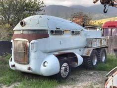 Weird Cars, Cool Cars, Crazy Cars, Busse, Abandoned Cars, Custom Vans, Old Trucks, Car Car, Dream Cars