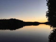 Det går inte att se sig trött på det här. #umeälven #solnedgång #nofilter