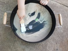 21 play tray ideas – CleverBabi
