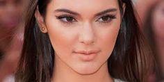 Calvin Klein tem uma nova musa para sua colecção, uma da Kardashian http://angorussia.com/entretenimento/moda/calvin-klein-tem-uma-nova-musa-para-sua-coleccao-uma-da-kardashian/