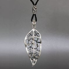 Natural Gray Chalcedony Gemstone Pendant Gpq-83 Modern Techniques Necklaces & Pendants Reasonable Silver Plated Fashion Jewelry