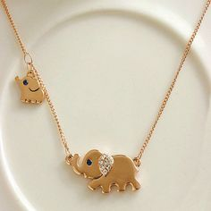 Mom and baby elephant pendant
