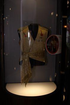 "Evil Kirk Uniform Top from Star Trek ""Mirror-Mirror""  Original-Prop-Blog-Out-Of-This-World-Exhibit-2009-049.JPG (1067×1600)"