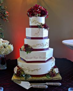 Elegant Burgundy and Gold Wedding Cake  Omg this is the wedding cake i want!!!!