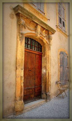 Porte de Loumarin, Provence