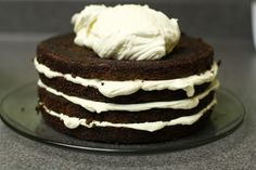Pudding Frosting (version - 1 cup milk 1 oz box of instant vanilla pudding 8 oz. cream cheese (room temperature, leave out for at least an hour or two) 12 oz tub of Cool Whip (put out on the counter minutes before making the frosting) Chocolate Pudding Cake, Chocolate Crinkles, Best Chocolate Cake, Chocolate Flavors, Chocolate Recipes, Chocolate Heaven, Homemade Chocolate, Pudding Frosting, Frosting Recipes