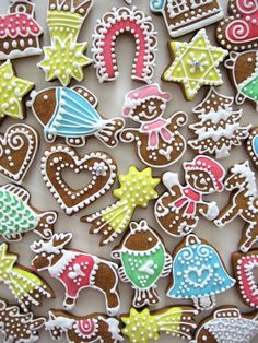 velikonoční perníčky zdobení - Hledat Googlem Cleaning Hacks, Sugar, Cookies, Decoration, Desserts, Food, Biscuits, Decorating, Meal