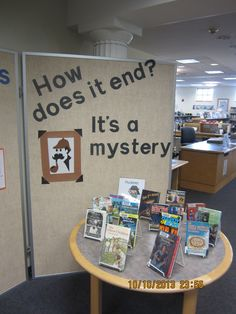 mystery books-good idea for bulletin board Teen Library Displays, Library Themes, Library Ideas, Children's Library, Library Lessons, Middle School Libraries, Elementary Library, Reading Display, Detective