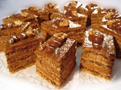Chod: Zákusky a koláče - Page 14 of 256 - Mňamky-Recepty. English Desserts, Kolaci I Torte, Gluten Free Baking, Sweet And Salty, Baked Goods, Sweet Recipes, Banana Bread, Food Porn, Dessert Recipes