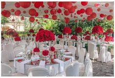 Red roses.by @paulinelippmann #luispedrogramajophotography #wedinguatemala #wedding #weddingday #destinationweddingphotographer #bride #destination #destinationwedding #bridebook #weddingdecor #weddingphoto #weddingideas #weddings #weddingphotography #weddingphotographer #weddingdress #love #forever #wed #picoftheday #photooftheday #weddingideas_brides #weddingawards #weddinginspiration #HuffPostIDo #theweddinglegends #marriage #perhapsyouneedalittleguatemala #instawedding #gelinlik
