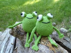 Chadwick and Igor, the frog twins by Stana D.Sortor - This pattern is available for free. This funky frog is knitted in the round. It is fairly simple and quick pattern to make. Great as a last minute gift for all the frog lovers. You will need less than a ball of green yarn, and a bit of white and black yarn remnants for the eyes and mouth. Have fun knitting. For more information, see: http://stana-critters-etc.blogspot.com/2012/06/knitting-pattern-for-chadwick-and-igor.html