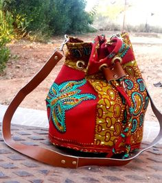 Introducing the bucket bag.by african lace Introducing the bucket bag.by african lace African Lace, African Fabric, New Handbags, Fashion Handbags, African Accessories, Fashion Accessories, Mode Wax, Ankara Bags, Ethnic Bag