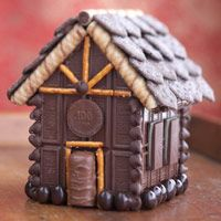 Make a Miniature Town Out of Chocolate Candy Bars - I like this much better than the graham cracker house Christmas Goodies, Christmas Candy, Christmas Treats, Christmas Baking, Holiday Fun, Xmas, Gingerbread House Parties, Christmas Gingerbread House, Gingerbread Houses