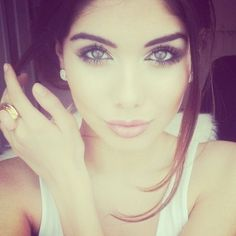 Her make up= FLAWLESS