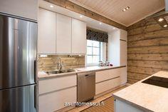 hirsitalo sisältä - Google-haku Log Home Kitchens, Log Homes, Kitchen Cabinets, House, Home Decor, Google, Summer, Timber Homes, Decoration Home