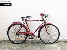 This 1977 Yé-Yé Esmalina Steel Bike came to us to be completely restored after a few messages exchanged with Mark – a Portuguese-descendant American who discove Bicycle Store, Bike, Hair Cuts, Steel, Happy, Bike Store, Bicycle, Haircuts, Bicycles
