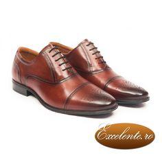 Un model care se potriveste mai ales pentru tinute elegante, pantofii oxford eleganti vor fi o prezenta remarcabila intr-un outfit pentru diferite evenimente, insa si pentru tinute casual.