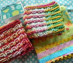 knitted dishcloths with link to free pattern
