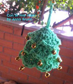 Alberello di Natale crochet    girovagando in pinterest, mi sono imbattuta in due alberelli che mi hanno incurios...
