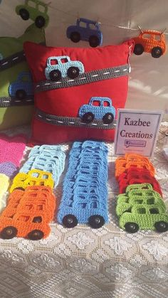 Crochet Car Appliqu Car Applique - Salvabrani - My WordPress Website Crochet Car, Crochet Amigurumi, Crochet Cushions, Crochet Pillow, Crochet For Boys, Crochet Home, Cute Crochet, Crochet Crafts, Crochet Projects