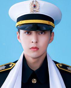 #시우민 #XIUMIN Kim Minseok Exo, Exo Xiumin, Kim Min Seok, Most Beautiful Man, Male Beauty, Kpop Boy, Jimin, Guys, Military Service