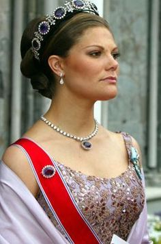 Kronprinsessan (Crown Princess) Victoria of Sweden in the Josephine amethyst parure; wedding of Princess Märtha Louise of Norway and mr. Ari Behn on May 24, 2002