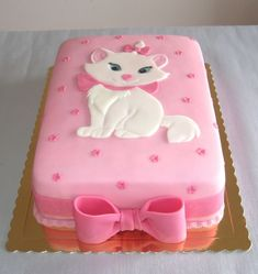 """Marie kitten from the Disney movie """"The Aristocats"""" This is a pretty Cake."""
