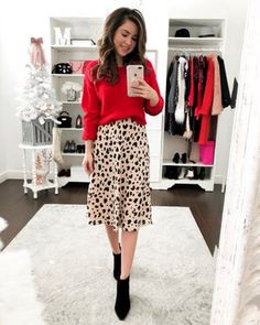 3 Simple Ways To Wear A Leopard Skirt – Simply Sutter 3 simple ways to wear a leopard skirt Printed Skirt Outfit, Leopard Skirt Outfit, Midi Skirt Outfit, Skirt Outfits, Print Skirt, Dressy Outfits, Mode Outfits, Fall Outfits, Fashion Outfits