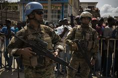 Chilean peacekeeprs provide security during food distribution by WFP in Haiti x United Nations, Haiti, High Quality Images, Army, The Unit, Military, Country, Inspiration, Food