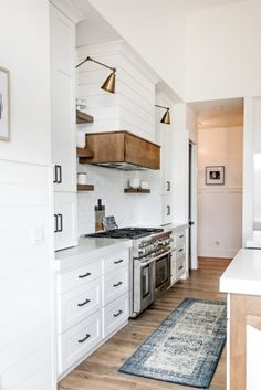 Decorate awesome kitchen with farmhouse cabinet (4)
