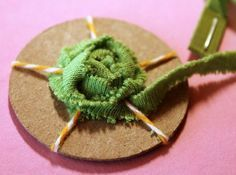 Spider Rose Tutorial with Becky! Fun way to make a rose out of scra. - - Spider Rose Tutorial with Becky! Fun way to make a rose out of scra… Diy nähen Spider Rose Tutorial mit Becky! Cloth Flowers, Felt Flowers, Diy Flowers, Fabric Flowers, Paper Flowers, Upcycle T Shirts, Fabric Bow Tutorial, Rose Tutorial, Scrap Fabric Projects