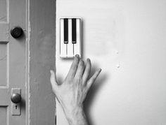 Pianobell (door bell). SO COOL.